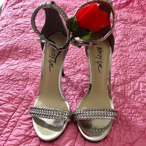 NASTY GAL. silver dress sandals size 7 NEW